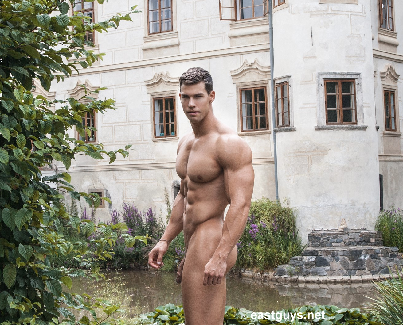 muscle hunk big cock