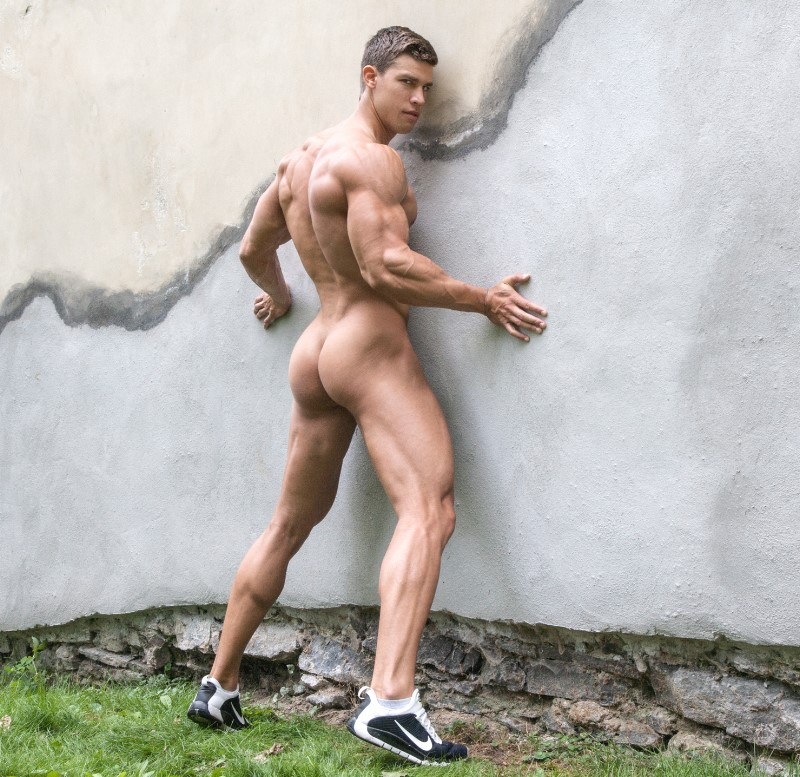 muscle butt hunk bel ami