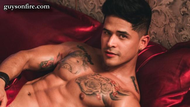 latinos male webcam