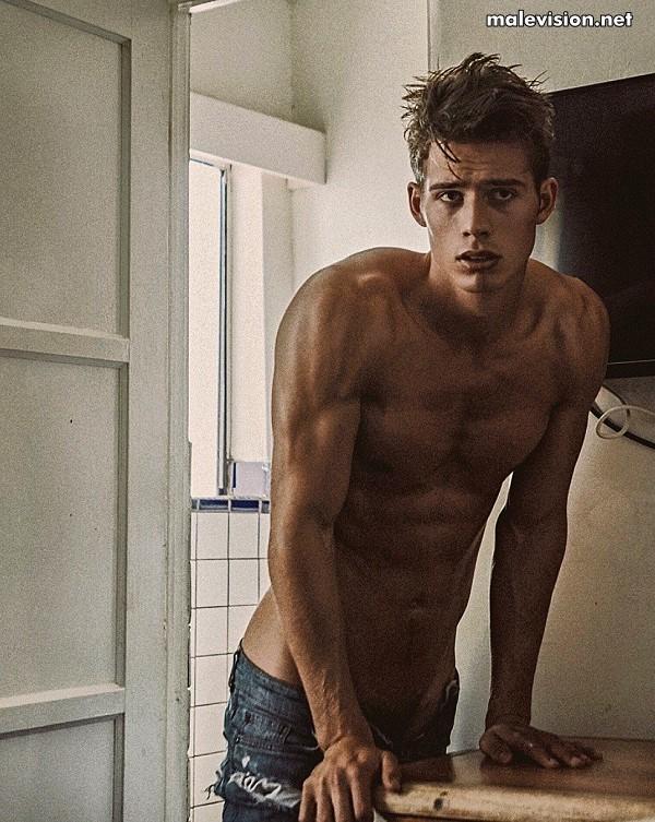 Leif Erik Offerdahl nude