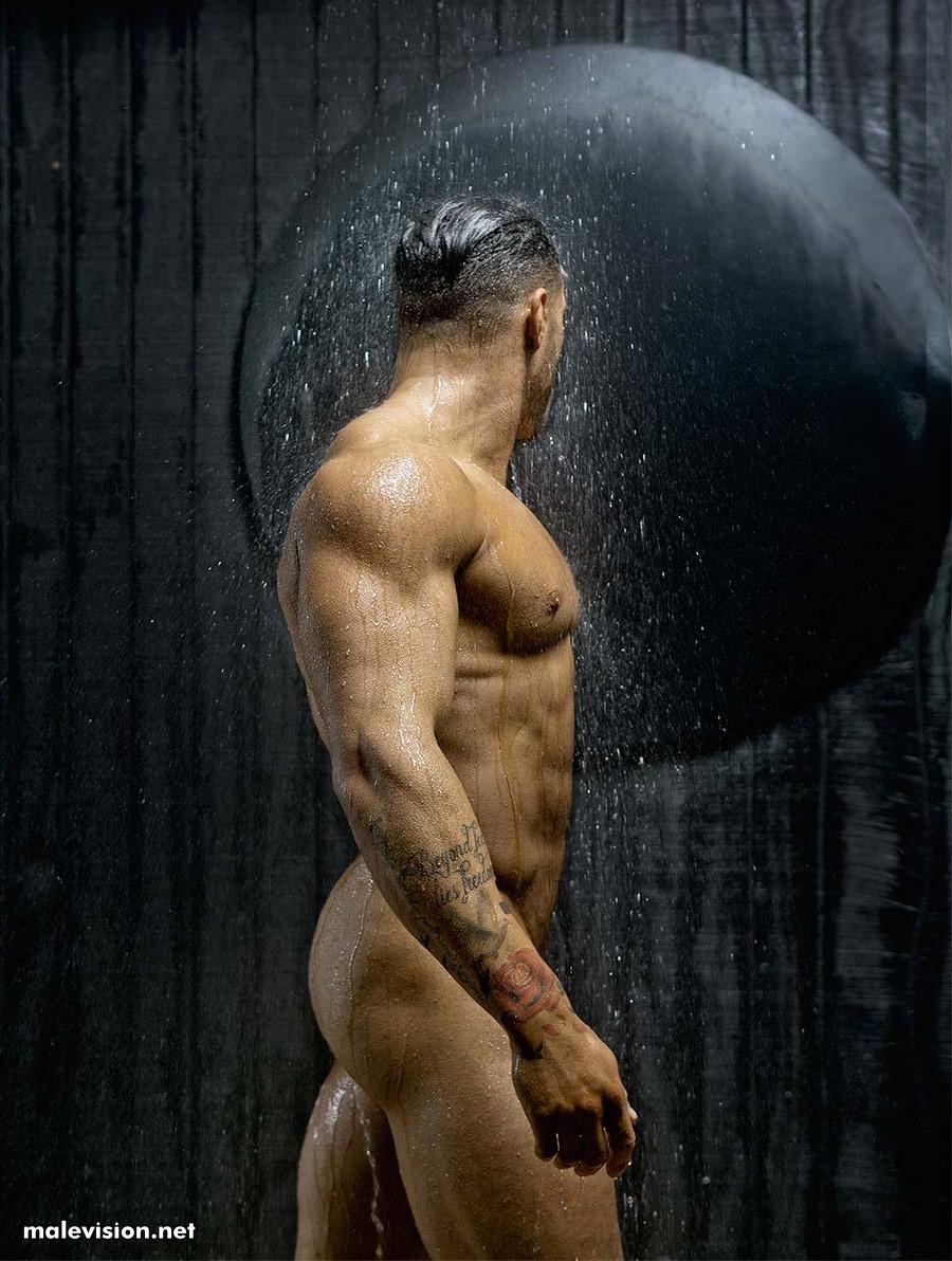 muscled man david vance
