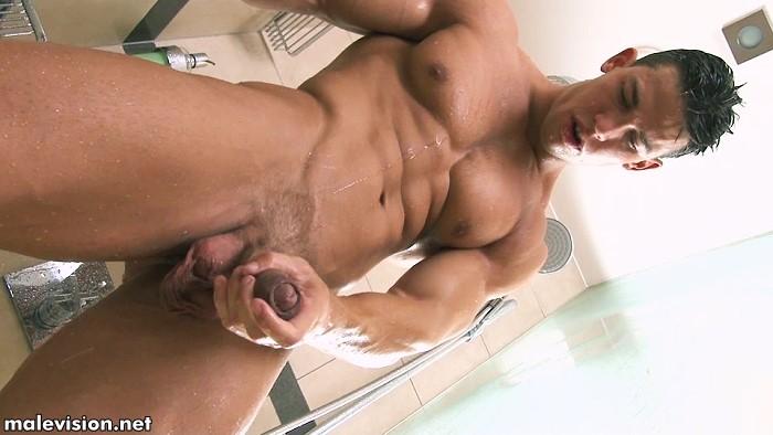 Kris Evans Showering