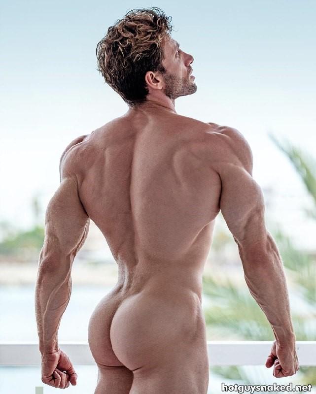 Davide Zongoli show naked butt