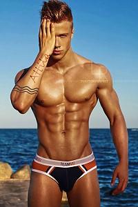 Attila Toth male fitness model